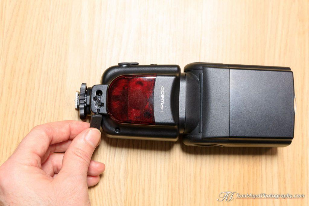 Apeman SL350 charging port
