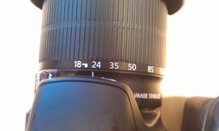 La longueur focale indiquée sur l'objectif