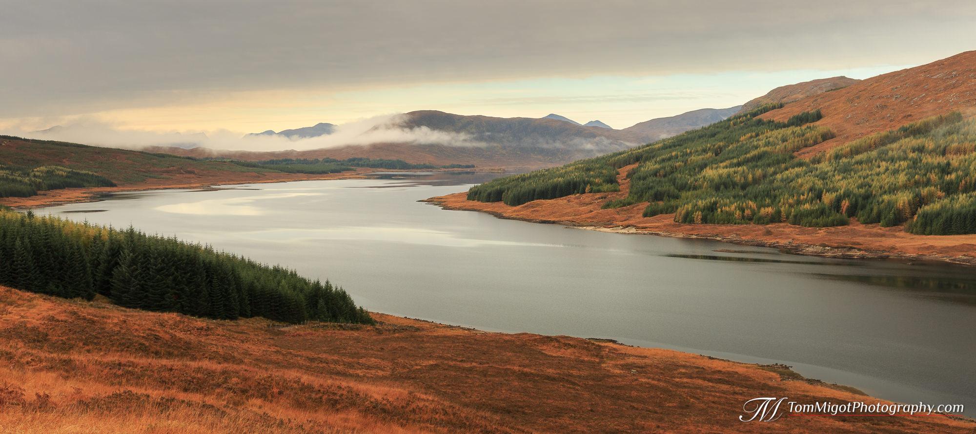 Le Loch Loyne dans les Highlands Ecossaises photographié à l'automne